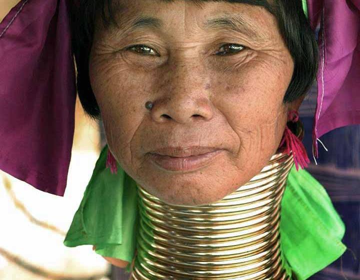 """""""Długie szyje"""" w Tajlandii – kolejna kontrowersyjna atrakcja turystyczna"""