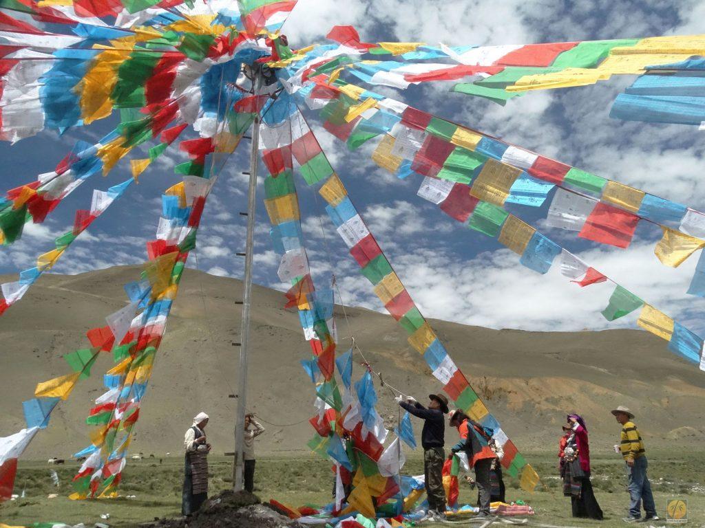Tybet. flagi modlitewne. fotorelacja